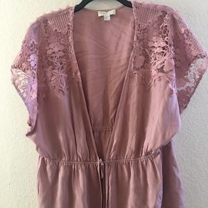 Mauve Pink Open Blouse Lace Detailing Sleeves